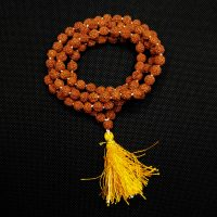 Mala indiana in semi di rudraksha