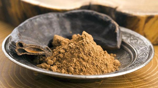 Dolcificanti naturali: Farina di Carrube