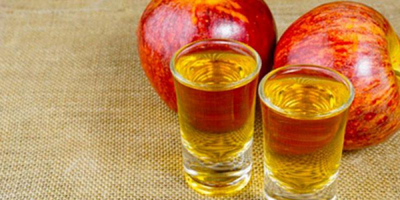 Dolcificanti naturali: succo di mela